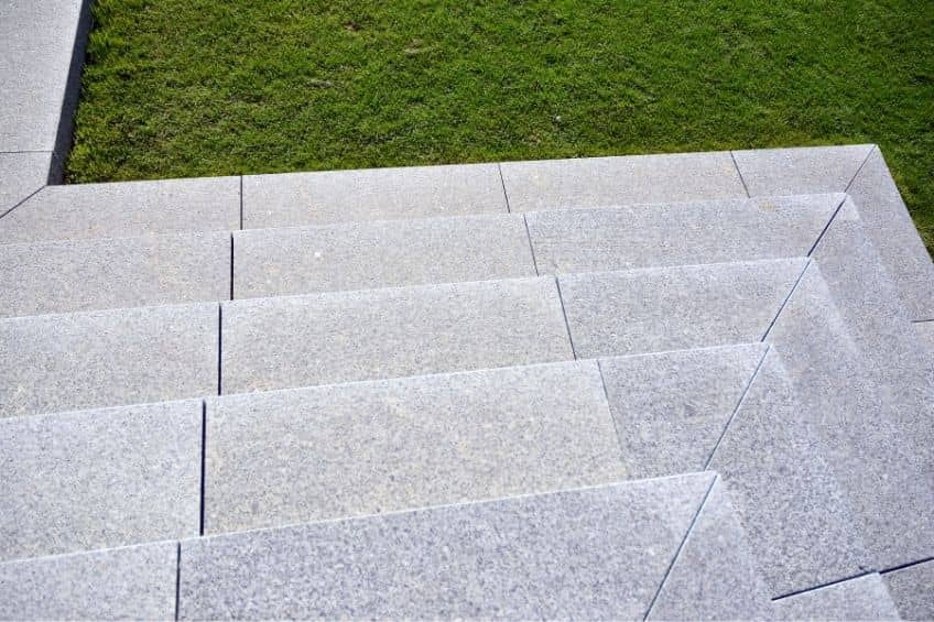 Escaleras de granito: ventajas y mantenimiento